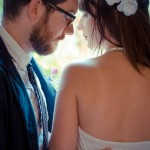 背中とデコルテのニキビ治療には?原因はストレス?結婚式ではメイクで隠せる?
