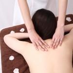 ブライダルエステで背中のニキビ跡は治せる?皮膚科に行くべき?